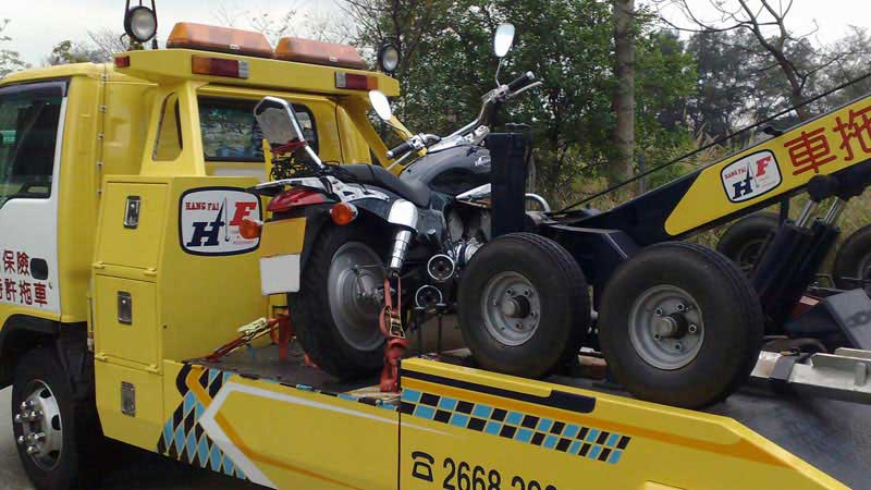 motorcycle towing platforms equipped with safety locks for different bike models